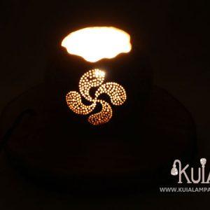 lampara con simbolo personalizado lauburu
