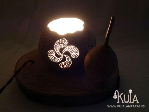 lampara de regalo con simbolo personalizado