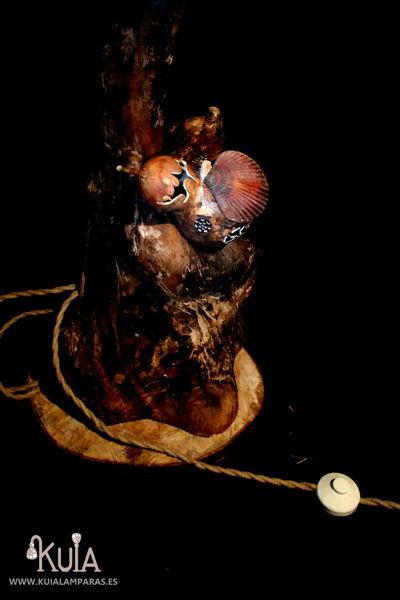lampara de pie artesanal de troncos korua