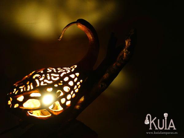 lampara con luz ambiental korn