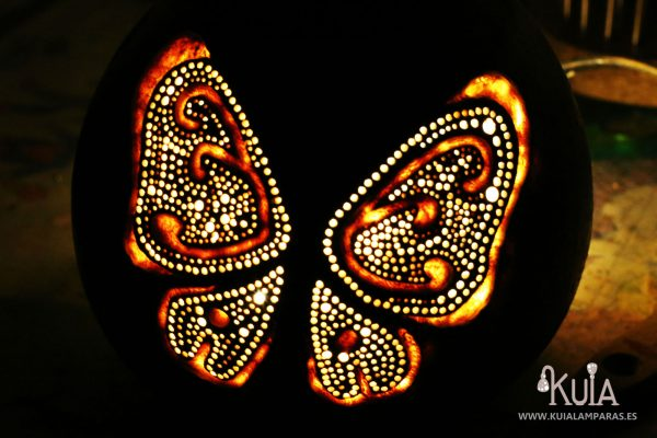lampara artesanal ecologica con mariposas pinpilinpauxa