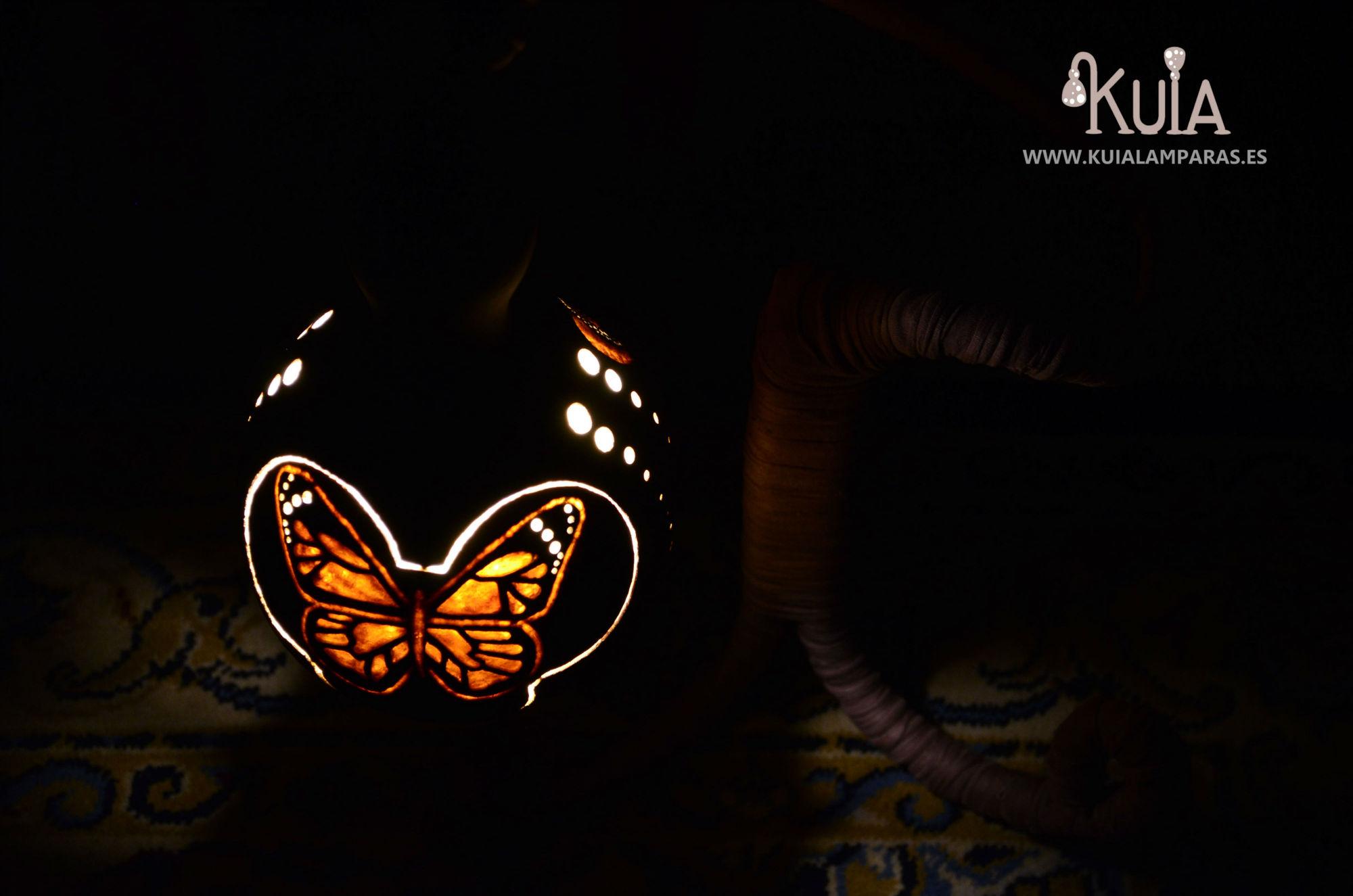 lampara con una mariposa pinpilinpauxa