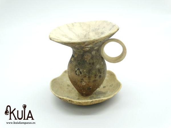 taza hecha con madera de calabaza