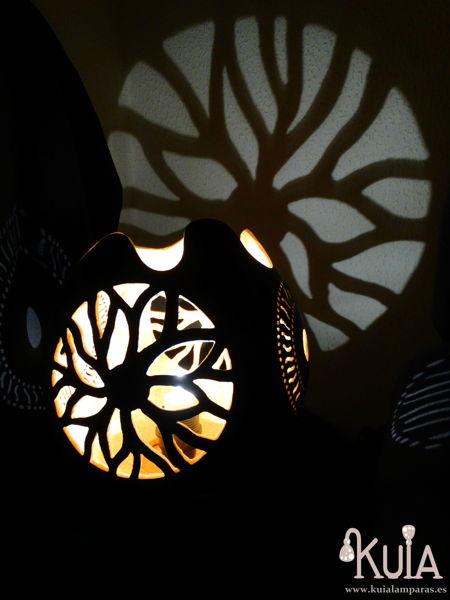 Lámpara artesana de mesilla usuar